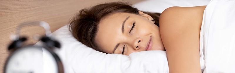 Ce que les sectes les plus dangereuses ont compris sur le sommeil